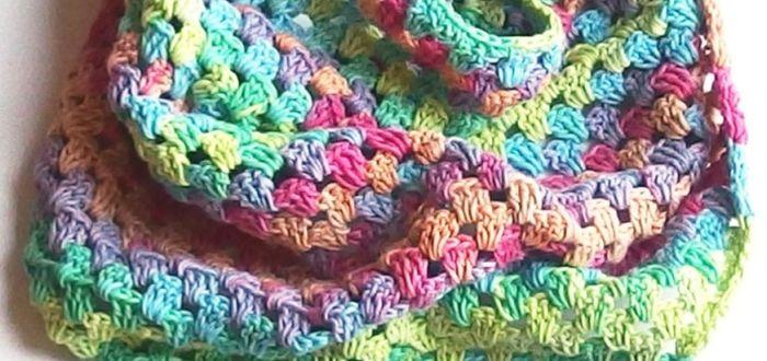 Háčkovaný šátek pro začátečníky 3bb33cf1df